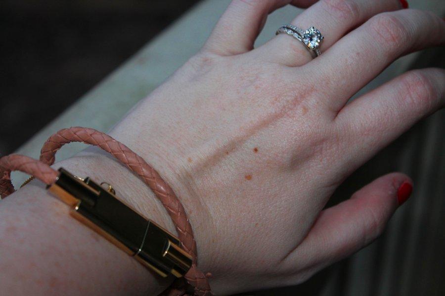 phone_charger_bracelet